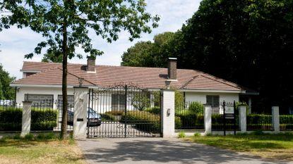Solden bij de Pfaffs: villa alwéér in prijs verlaagd