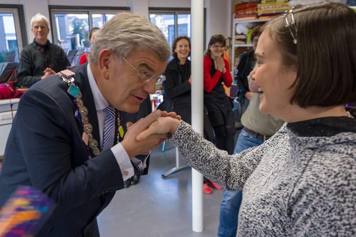 Jan van Zanen bij de opening van de werkplaats van echtWaar in 2016