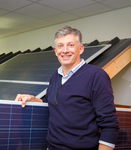 Solliance in Eindhoven leidt ontwikkeling lichte zonnedaken voor boerenstallen