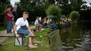 Viswedstrijd voor de jeugd aan Donkmeer
