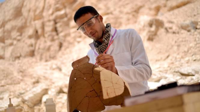 Oude tombe en dertig ateliers ontdekt in Luxor