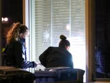 Woning aan Trilgras in Rotterdam-Ommoord beschoten, dader op de vlucht