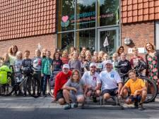 Gezonde lunch op De Zeeridder voor fietsende fransmannen die aandacht vragen voor duurzaamheid