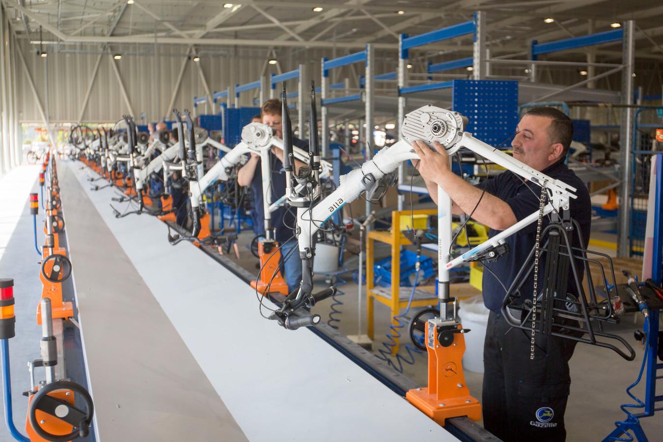 In de Gazelle-fabriek