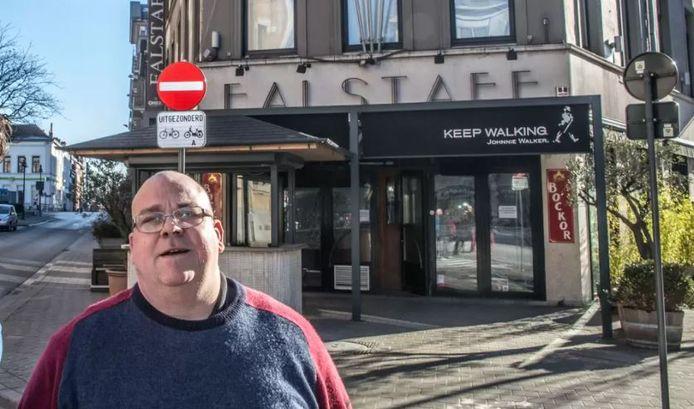 Zaakvoerder Koen Tieghem enkele jaren geleden, voor brasserie Falstaff.