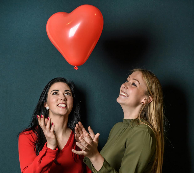 Katelen Perez T'Seyen en Leena van Loon. Beeld Geert Van De Velde
