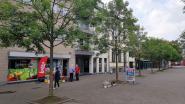 Halle laat jongeren 'chillen' op nieuwe zitbanken om hen weg te houden uit de portieken van appartementsgebouwen