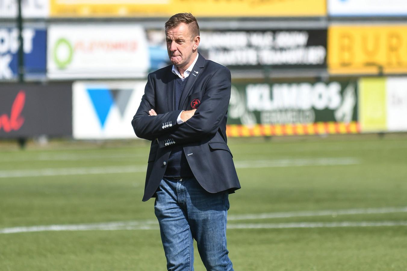 Ruud Pennings, trainer van Goes.