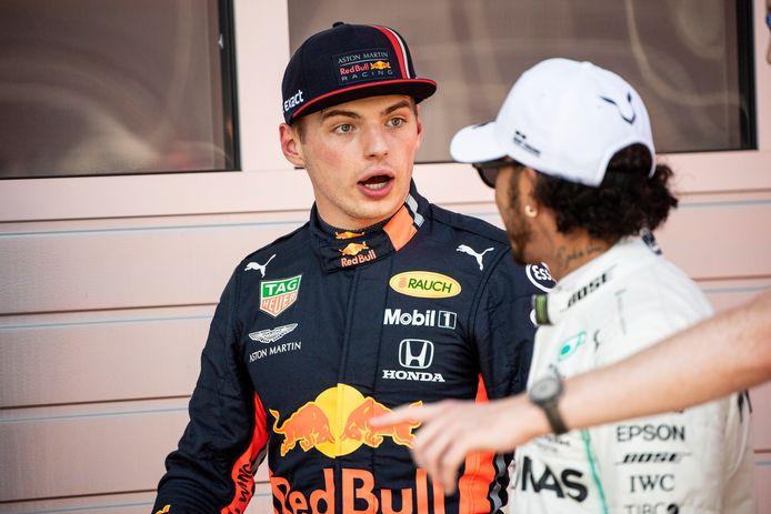 Max Verstappen en Lewis Hamilton op archiefbeeld.