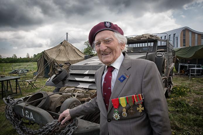 De inmiddels 95-jarige Franse oorlogsveteraan Maurice Le Noury is ook dit jaar weer van de partij bij Toujours Kapelle.