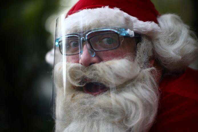 Même le père Noël s'équipe contre le coronavirus