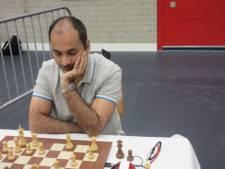 Rinkelende telefoon verstoort en beslist schaakduel in Open Nederlands kampioenschap