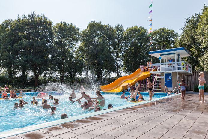 Zwembad De Tippe is 12 augustus het decor van de Zomertour.