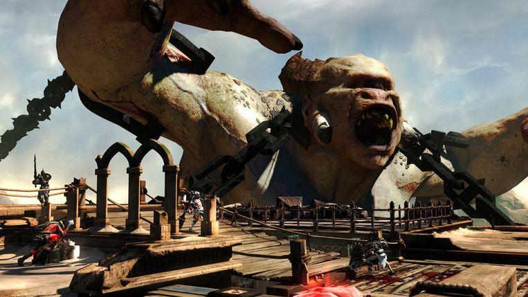 De grotere 'bosses' in games als 'God of War: Ascension' gaan alleen maar neer wanneer u ze op bepaalde zwakke plekken raakt. Beeld Sony PlayStation