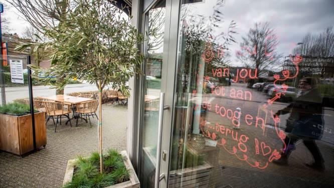 """Liefdesboodschappen kleuren Lommelse stadscentrum: """"Ik hou van je tot aan de toog en terug"""""""