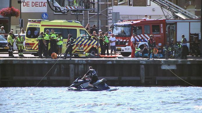 Hulpdiensten kwamen massaal in actie voor de drenkeling in de IJssel bij Kampen.