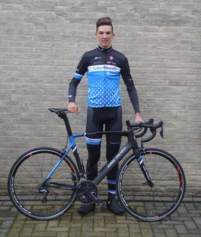 Timo de Jong in het shirt van VolkerWessels-Merckx.