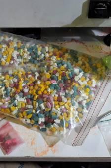 Drie drugsdealers (21) uit Oss en Oijen leefden 'als vorsten in Versaceshirts'