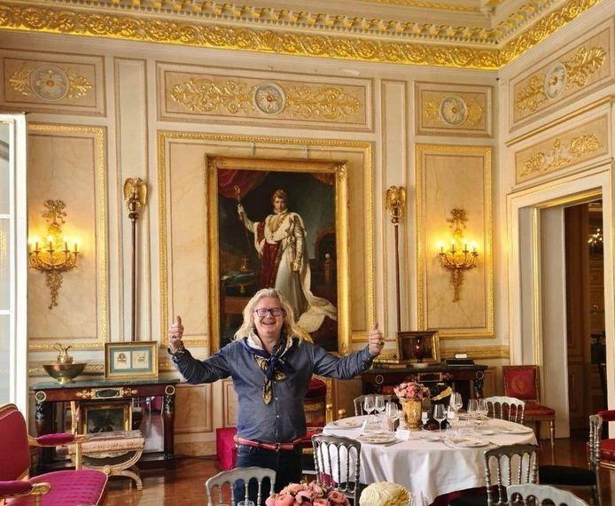 Pierre-Jean Chalençon est au coeur de la polémique depuis la diffusion d'un reportage de M6 sur des dîners clandestins, qu'il organiserait chez lui, au Palais Vivienne.