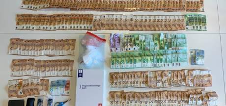 Dealende broers  hebben 20.000 euro cash in huis liggen