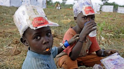 Amerikaanse dominee 'geneest' arme Oegandezen met bleekmiddel