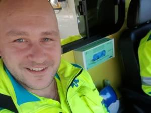 """Ambulanciers kunnen collega Sanny (34) niet redden: """"Een man met een hart van goud waarop je kon rekenen"""""""