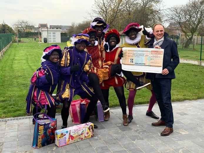 Piet Pablo krijgt dit jaar extra hulp bij het uitdelen van pakjes aan kansarme kinderen met vzw Pakjesavond.