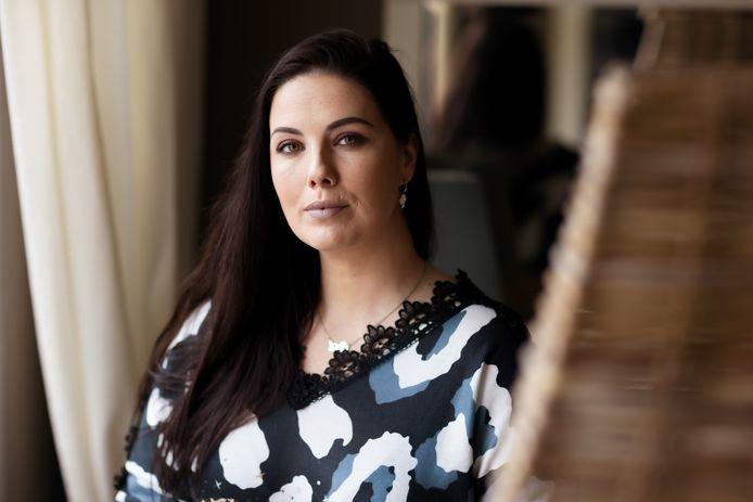 De Bredase Annette van Gelder vertelt in de autobiografie 'Meisje 4.1.8' over haar ervaringen en gevoelens met loverboy 'Pipa' in de geruchtmakende zaak uit 2007-2008.