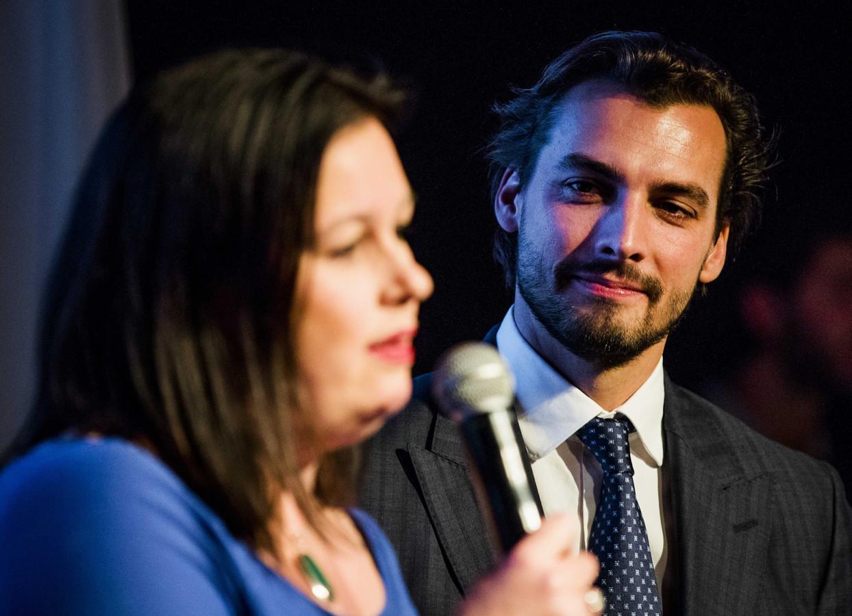 Annabel Nanninga en Thierry Baudet tijdens het feest van de JFVD, de politieke jongerenorganisatie van Forum voor Democratie.