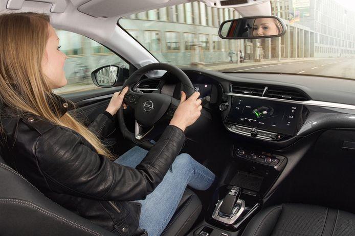 Wie tussen de 18 en 24 jaar oud is betaalt maar liefst 70 procent meer voor een autoverzekering