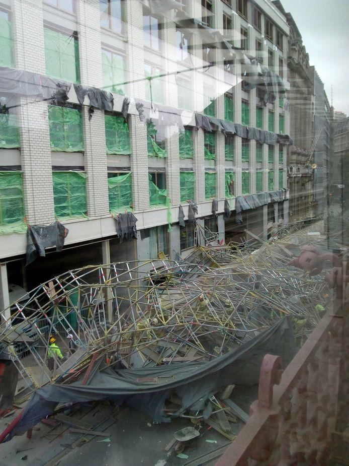De ingestorte steiger in Antwerpen.