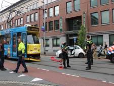 Aanrijding tussen tram en auto in Parkstraat