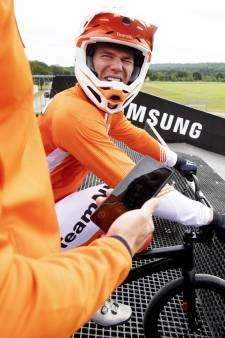 Weer pech! BMX'er Niek Kimmann breekt knie na botsing met overstekende official