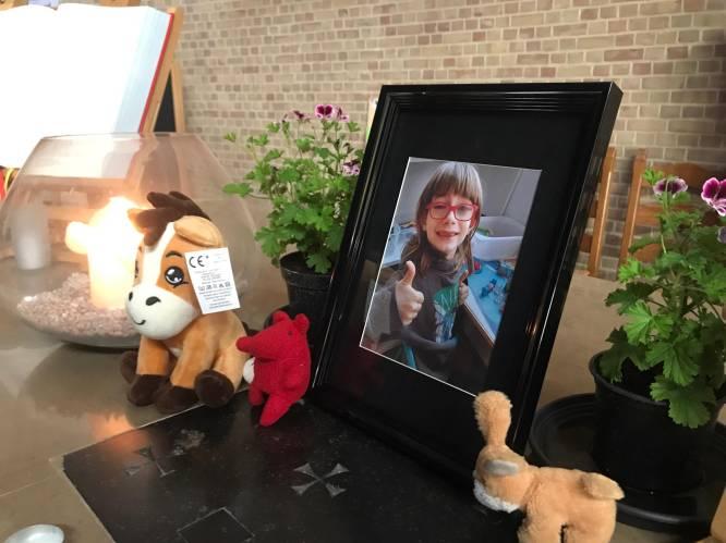 """""""Op maandag werd de jongen ziek gemeld, op donderdag bleek hij dood"""": Angelus (8) sterft na vermoedelijke overdosis, moeder opgepakt"""