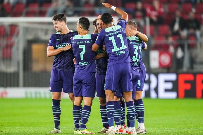 PSV viert feest na een van de treffers bij AZ.