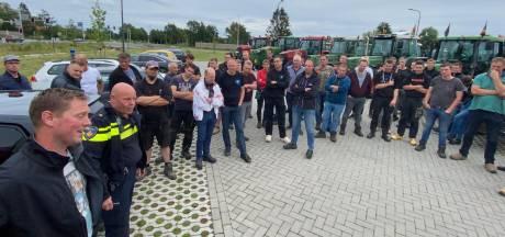 Achterhoekse boeren op weg naar Nijmegen om brief te bezorgen bij 'stikstofstrijder' Vollenbroek