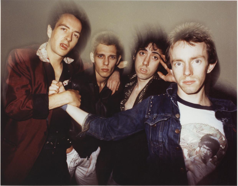 The Clash in New York in 1978. Van links naar rechts: Joe Strummer, Paul Simonon, Mick Jones en Nicky 'Topper' Headon.  Beeld Getty