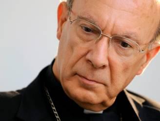 Léonard neemt bisschopsambt op bij leger