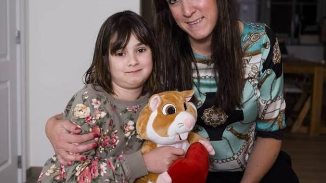 Rosalie megamie (10) moet het voor tweede keer opnemen tegen hersentumor