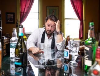 Deze schrijver werd 300 keer dronken en vond uiteindelijk de ultieme remedie tegen een kater