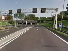 Matrixbord Drechttunnel kapot: flinke file op A16