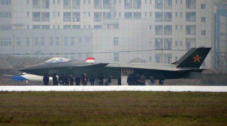 De Chinese strijdkrachten beschikken sinds 2011 over Chengdu J-20-jachtvliegtuigen,  toestellen met stealth-eigenschappen.