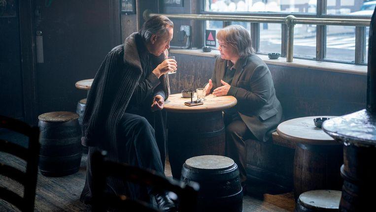 Melissa McCarthy zet Lee Israel prachtig neer, met Richard E. Grant als haar hulpje Jack Hock. Beeld Twentieth Century Fox