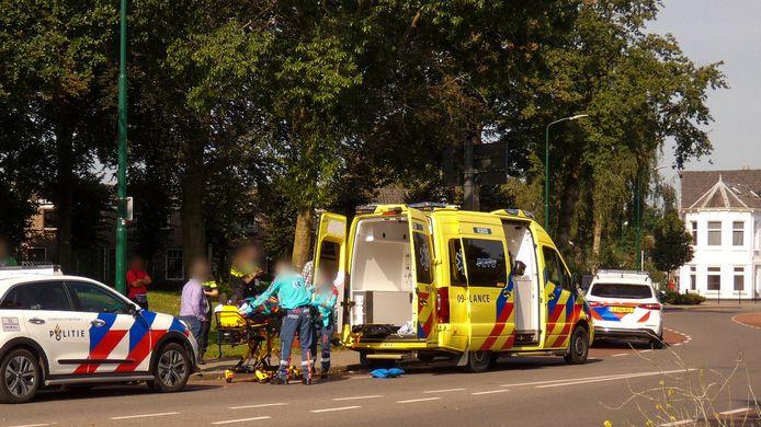 Een fietser is zaterdagochtend gewond geraak bij een aanrijding op de Nieuweweg in Veenendaal.