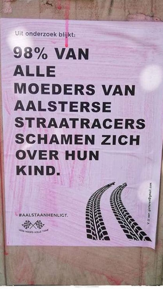 Archieffoto: onbekenden hingen in het verleden deze affiches omhoog in Aalst.