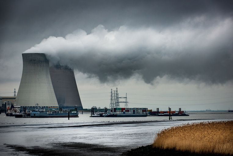 Kerncentrales in Doel. Beeld Bart Leye