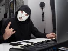 Duistere dj uit Twente: 'Mysterie is onderdeel van het succes'