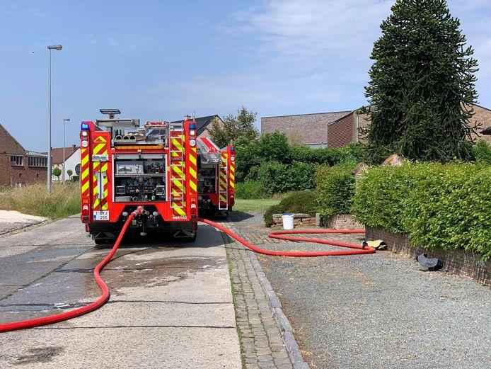 De brandweer moest lange tijd nablussen.