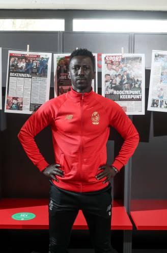 """Mbaye Leye wil 'de Francky Dury van Standard' worden: """"Ik ben niet de handpop van Michel Preud'homme"""""""