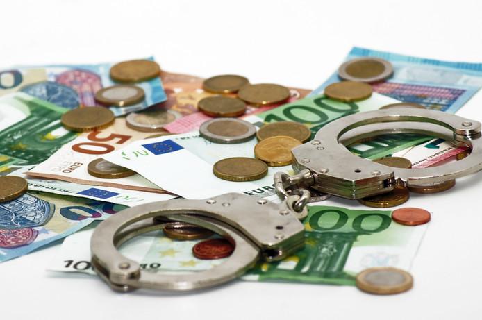 fraude witwassen online fraud criminaliteit stock